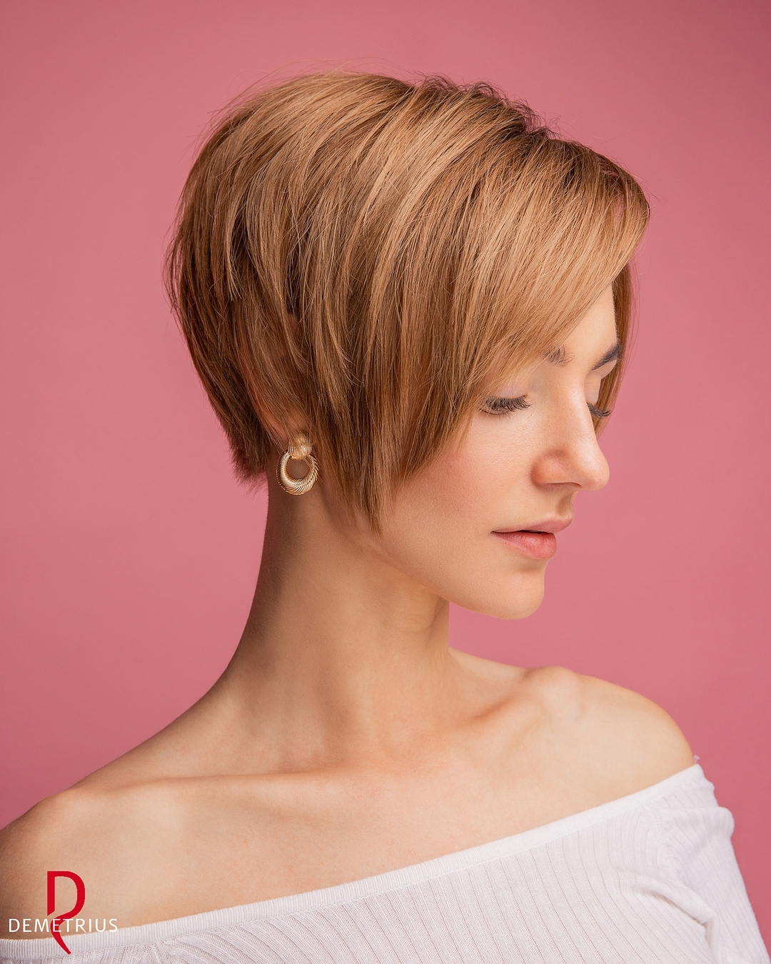 Cool Ear-Length Pixie Haircut