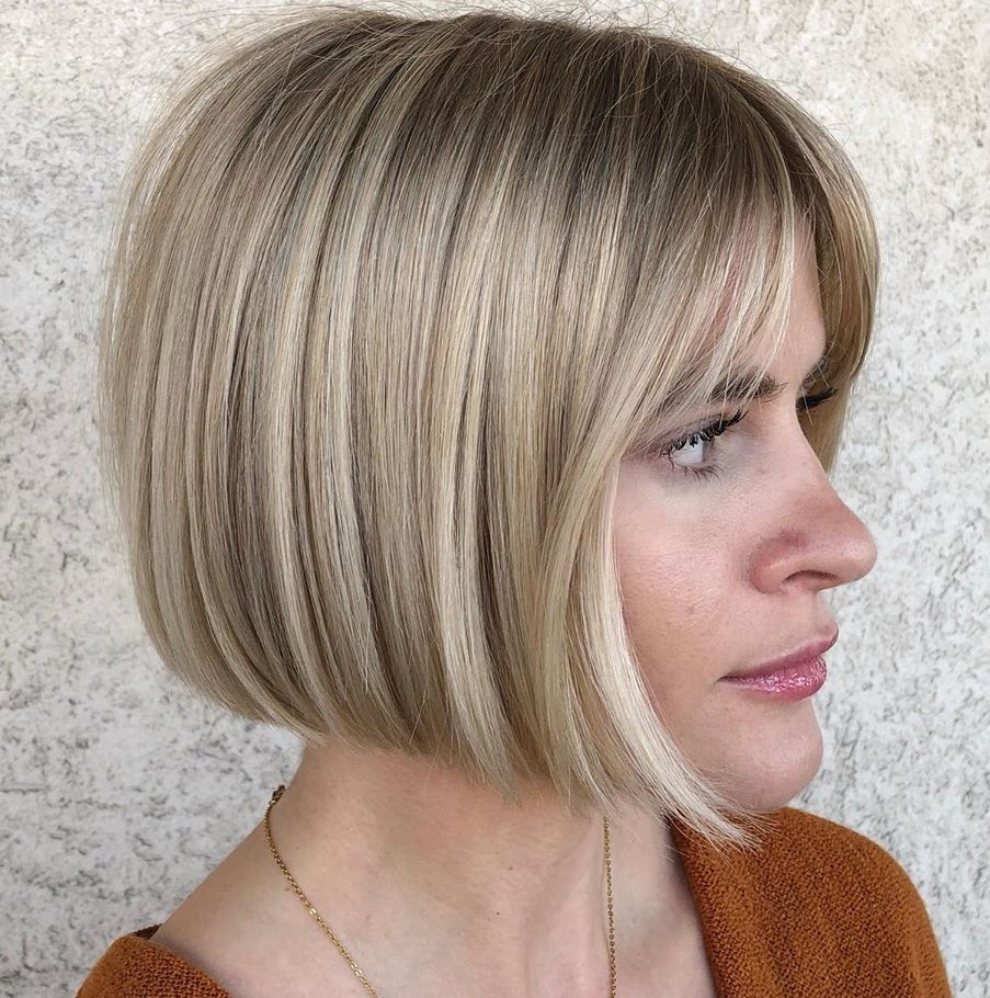Short Dirty Blonde Hair with Highlights