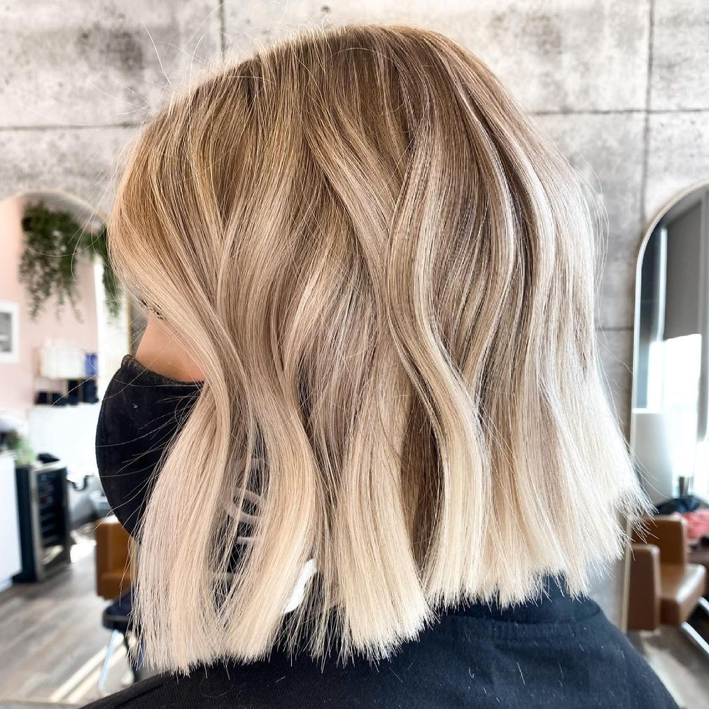 Perfect Blond Hair Color for Lob