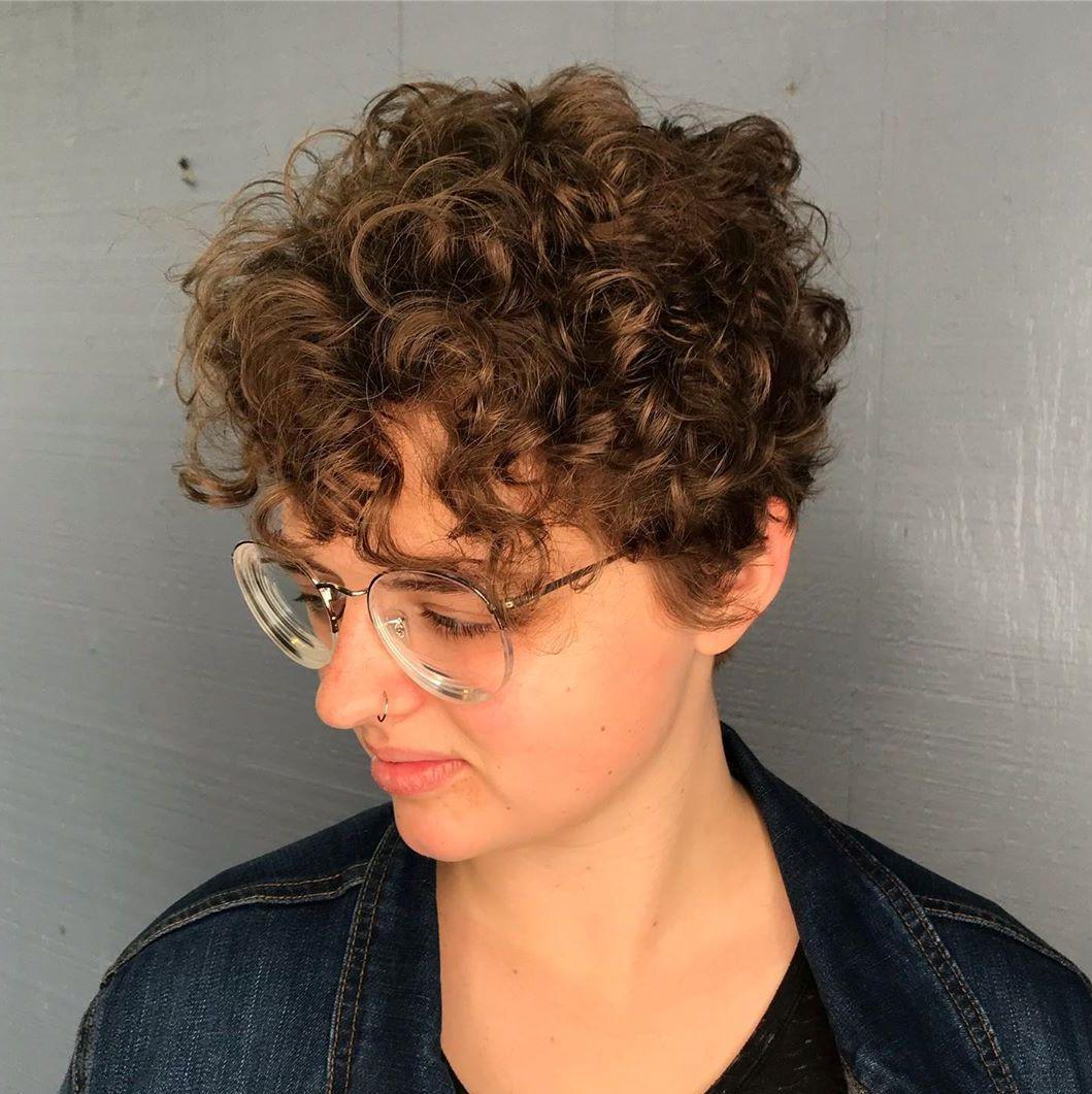Low-Maintenance Short Curly Cut