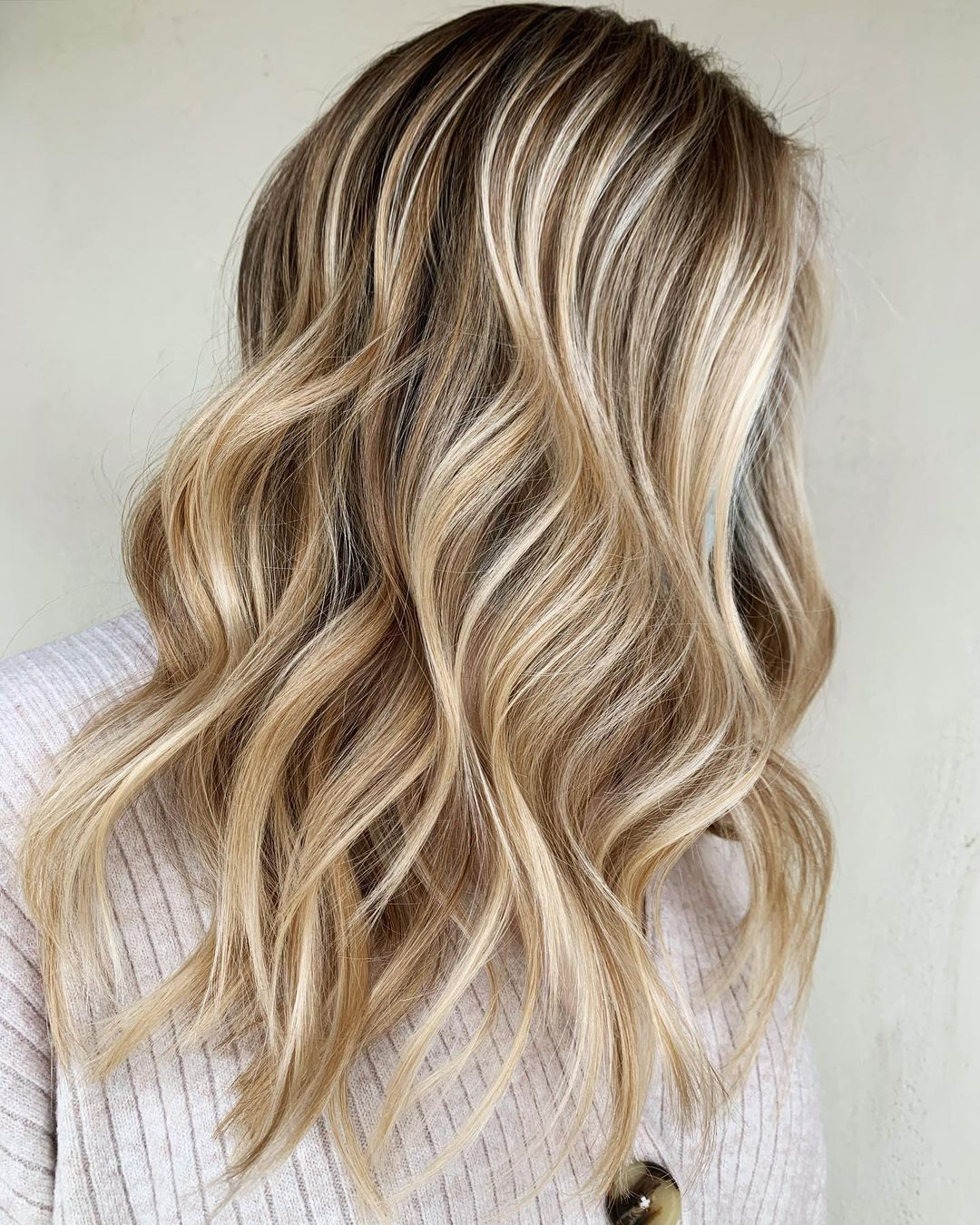Blonde Hair with Highlights and Waves