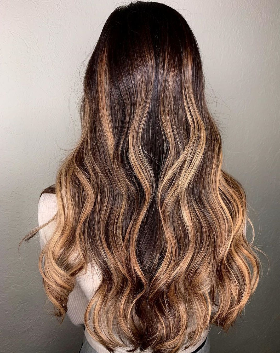 Caramel Blonde Highlights with Brunette Roots