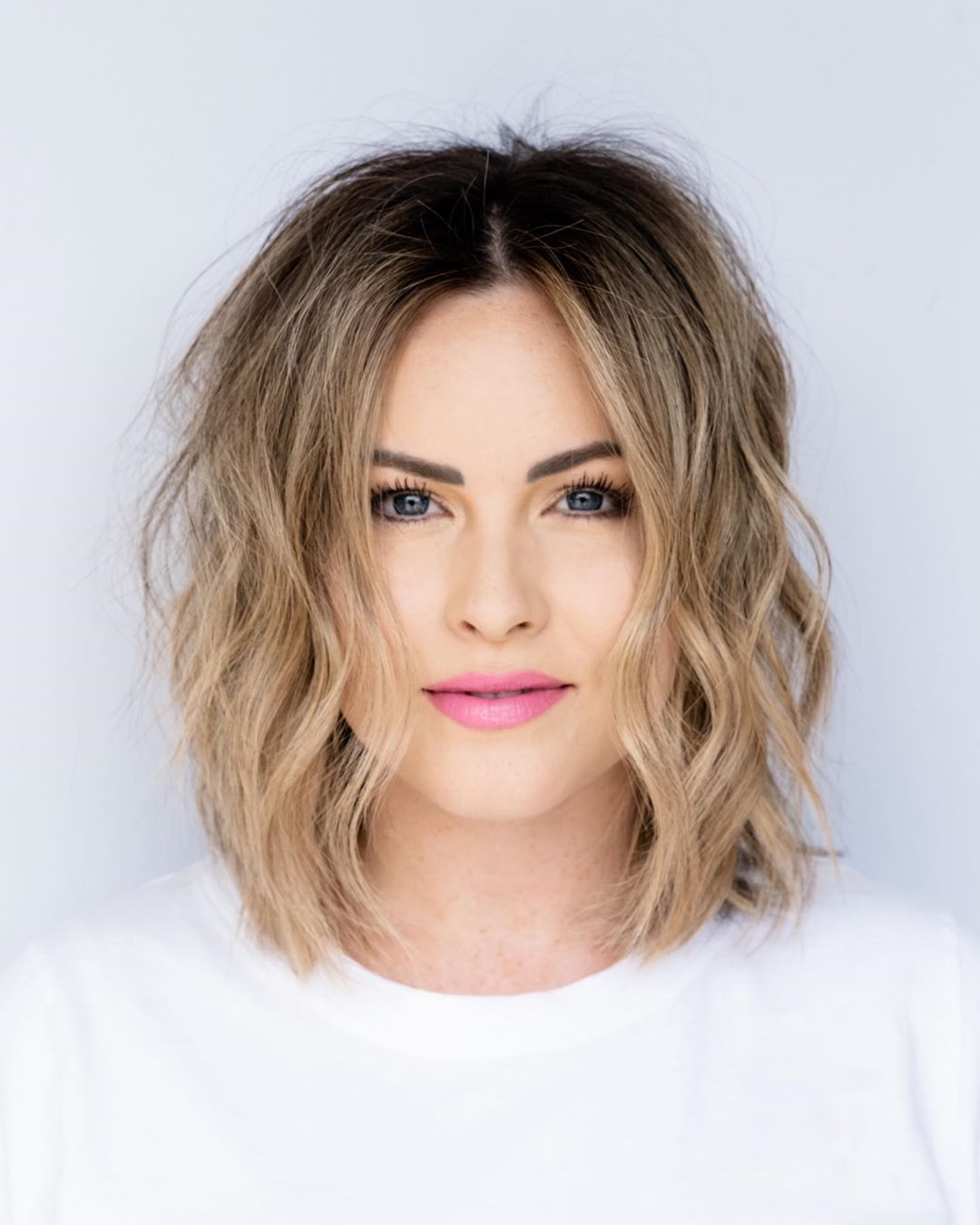 Medium Wavy Bob with a Middle Part for Autumn