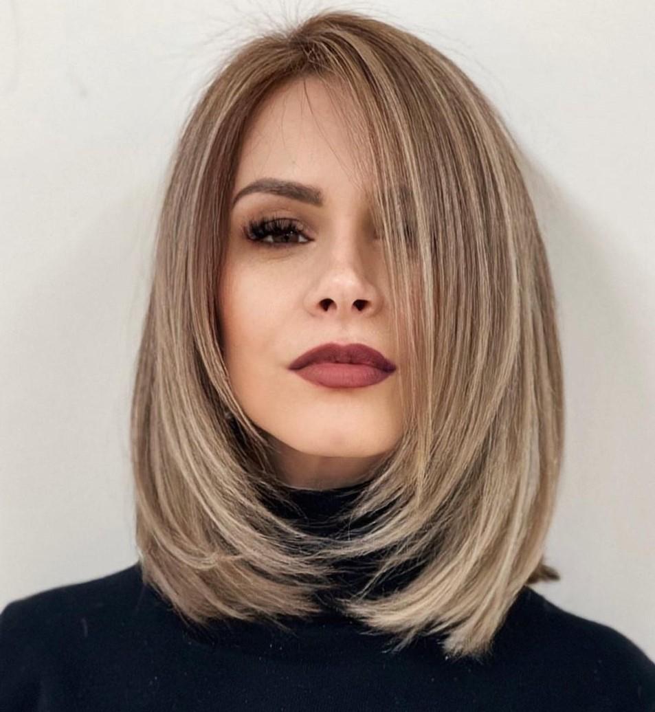 Mid-Length Cut to Make Hair Thicker