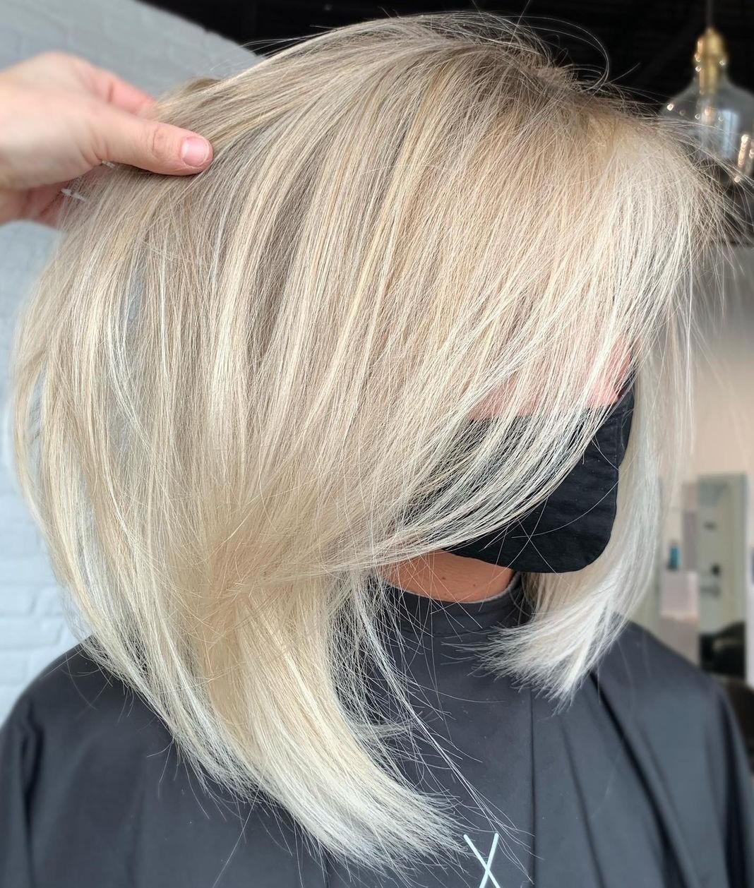 Wispy Medium Hairstyle for Thin Hair