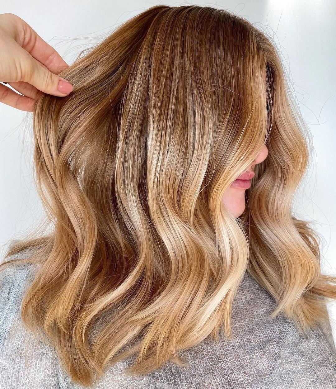 Trendy Medium-Length Caramel Honey Blonde Hair