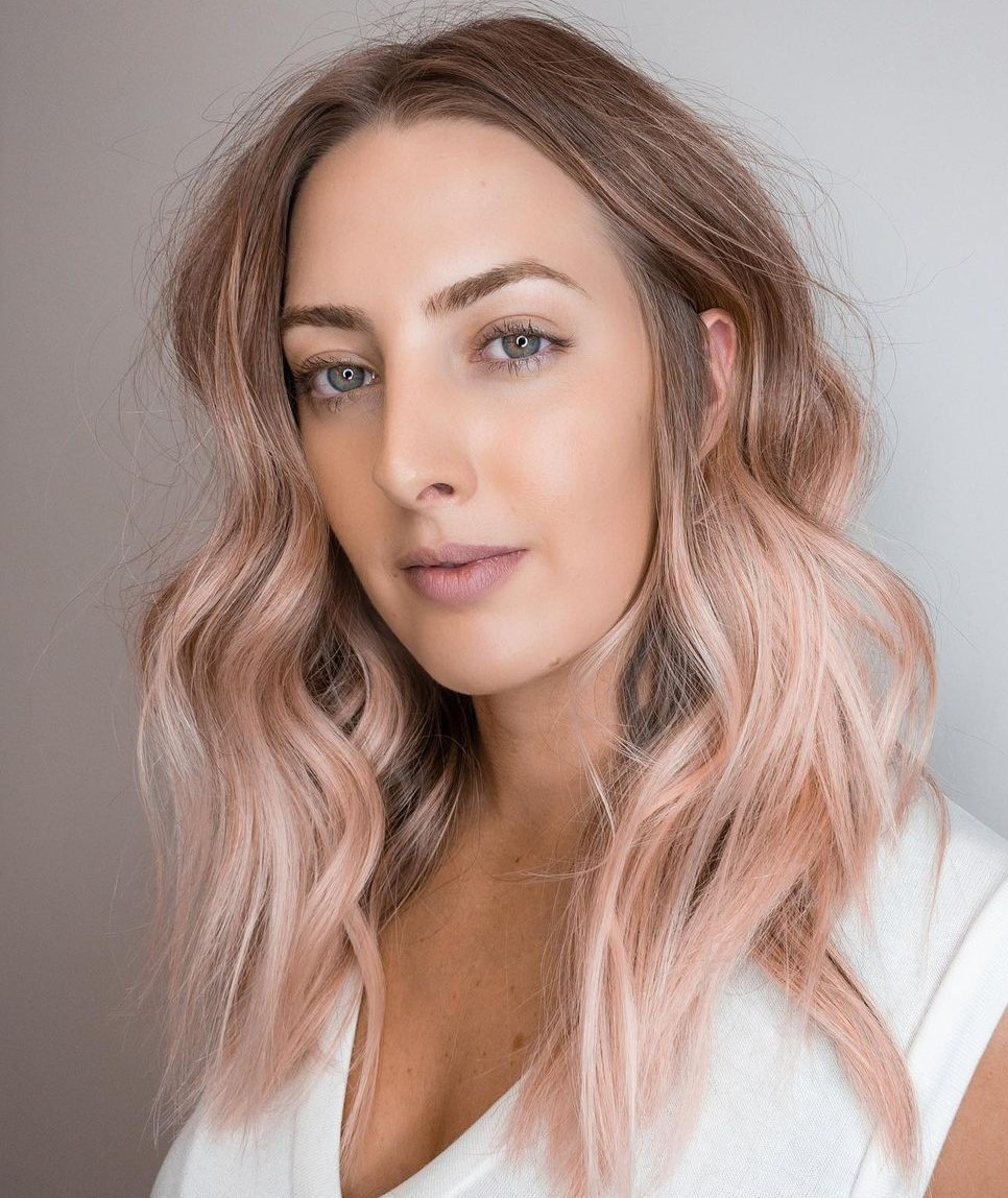 Long Balayage Hairstyle with Loose Waves for Slim Faces