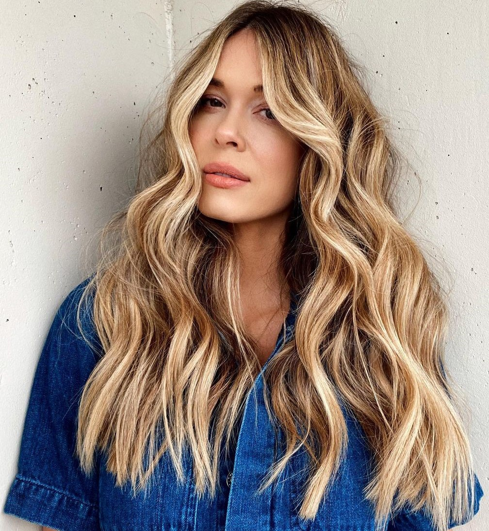 Golden Blonde Highlights and Shadow Root