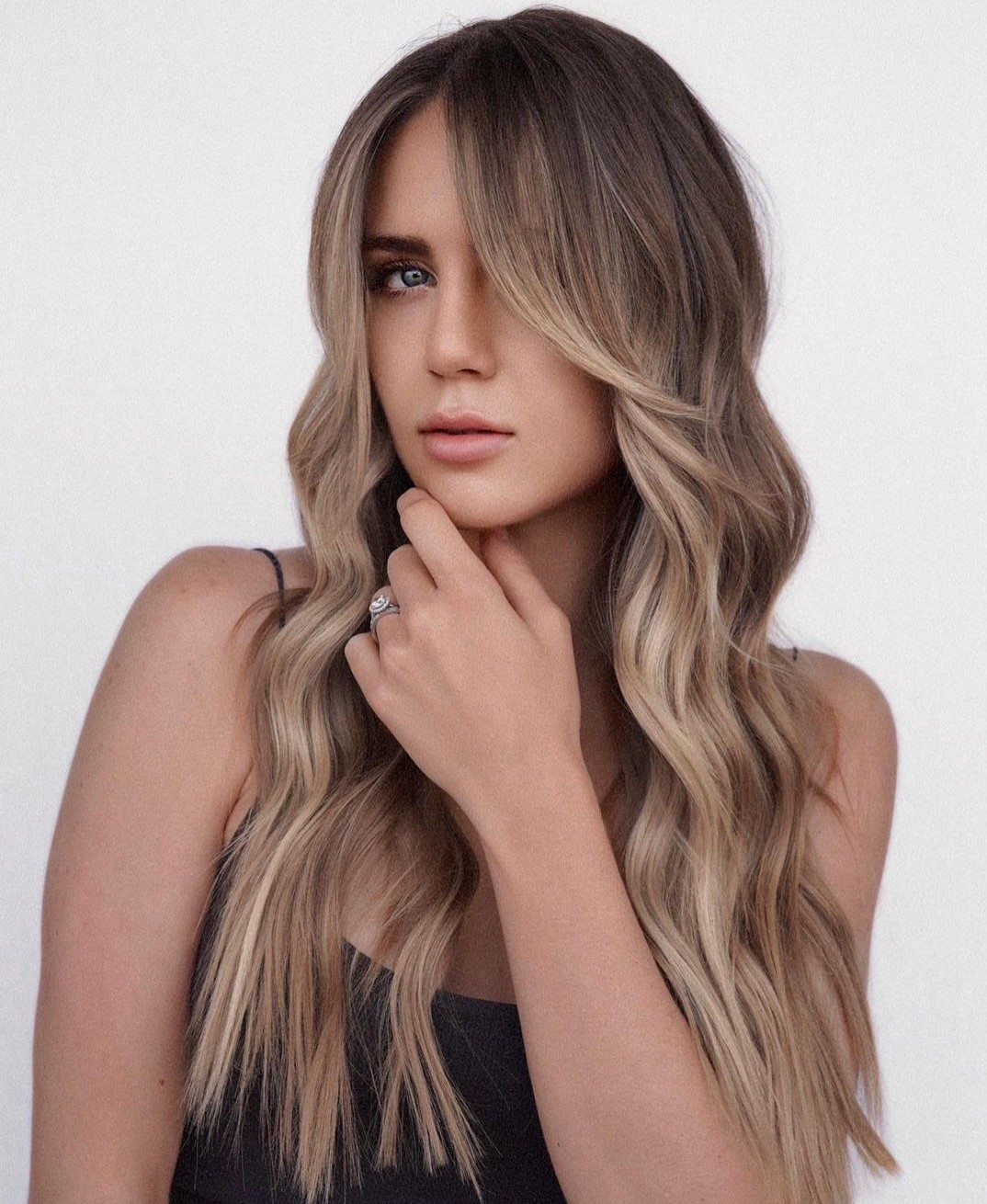 Stunning Long Hair with Blonde Highlights