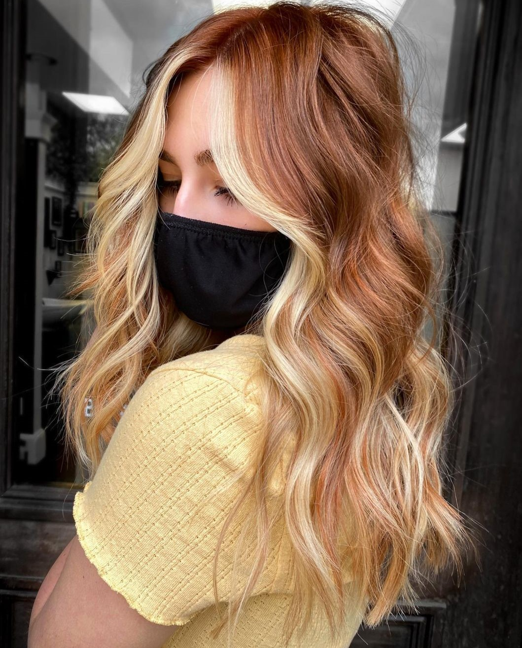 Strawberry Hair with Blonde Face-Framing Highlights