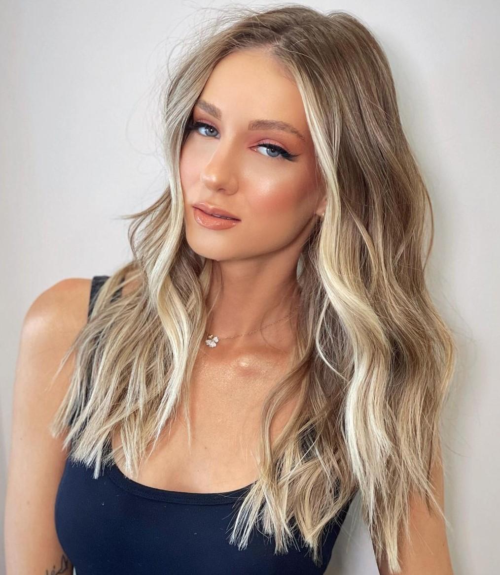 Beach Blonde Face-Framing Highlights