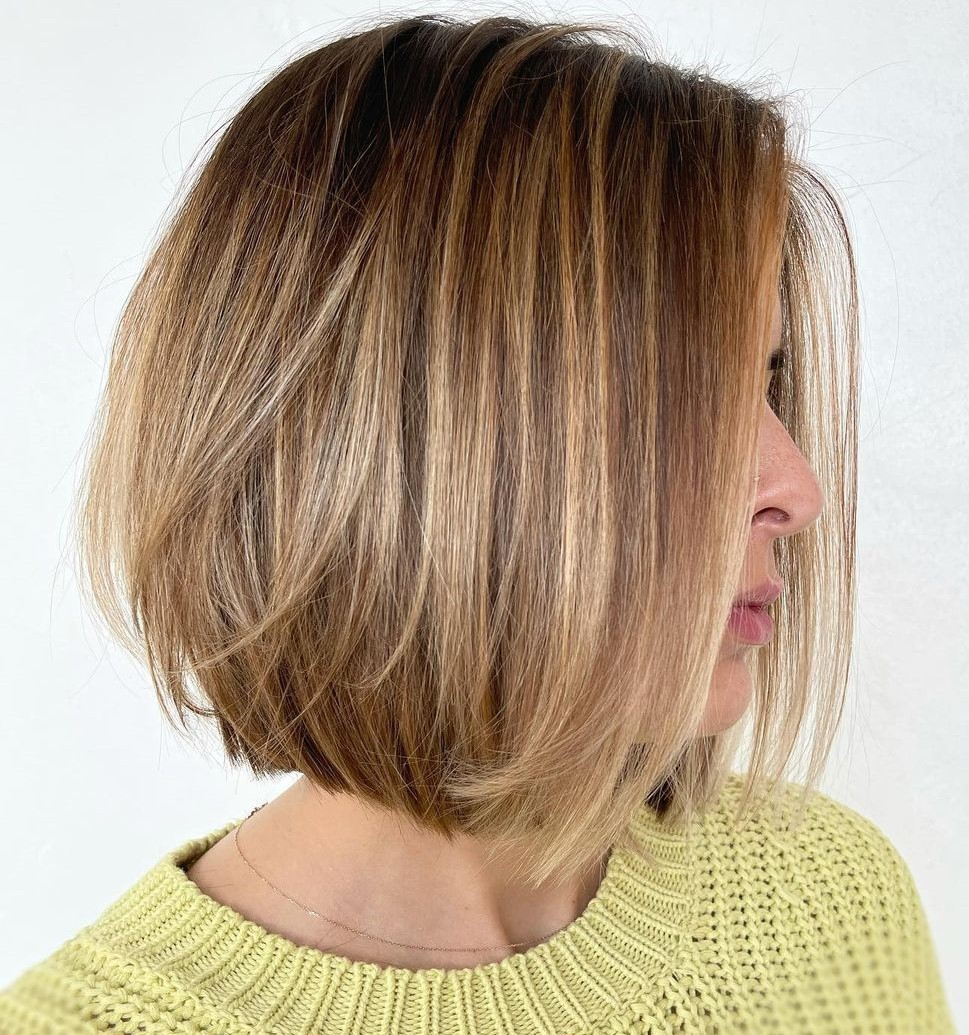 Stylish Short Hair with Dimensional Highlights