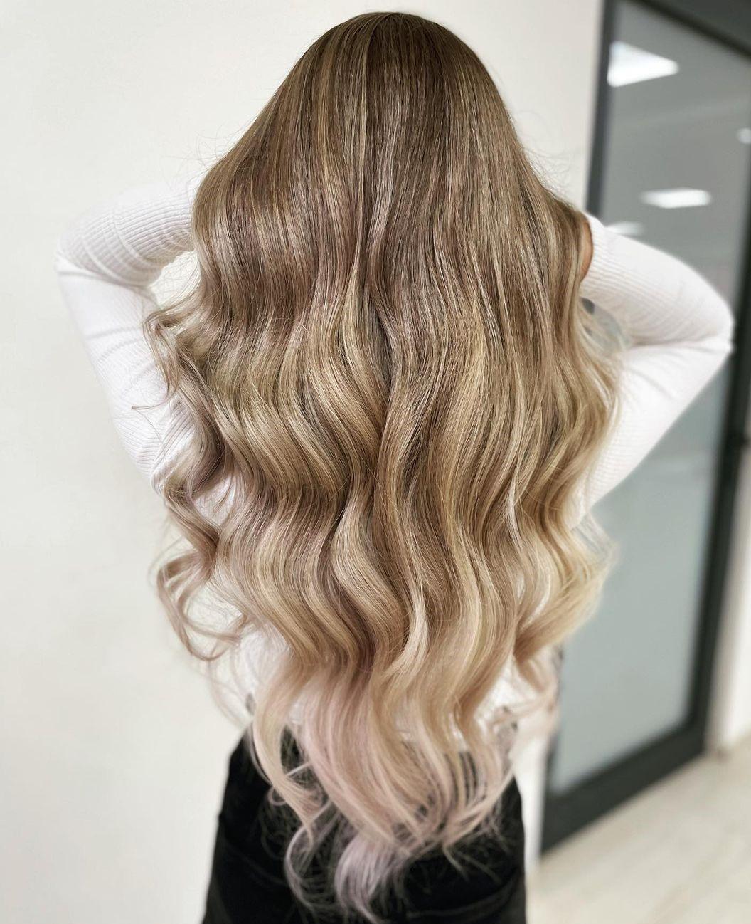 Chic Modern V-Cut with Curls
