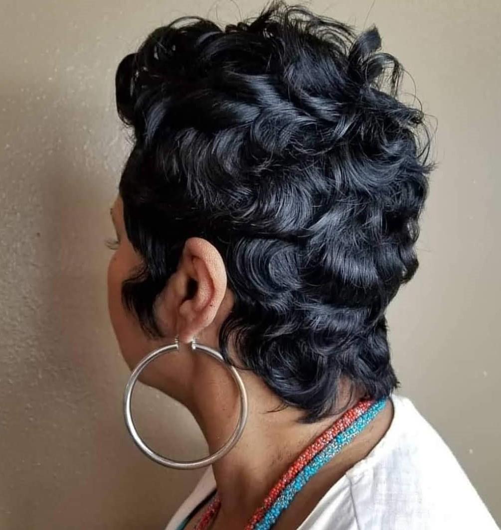 Cute Short Curly Weave