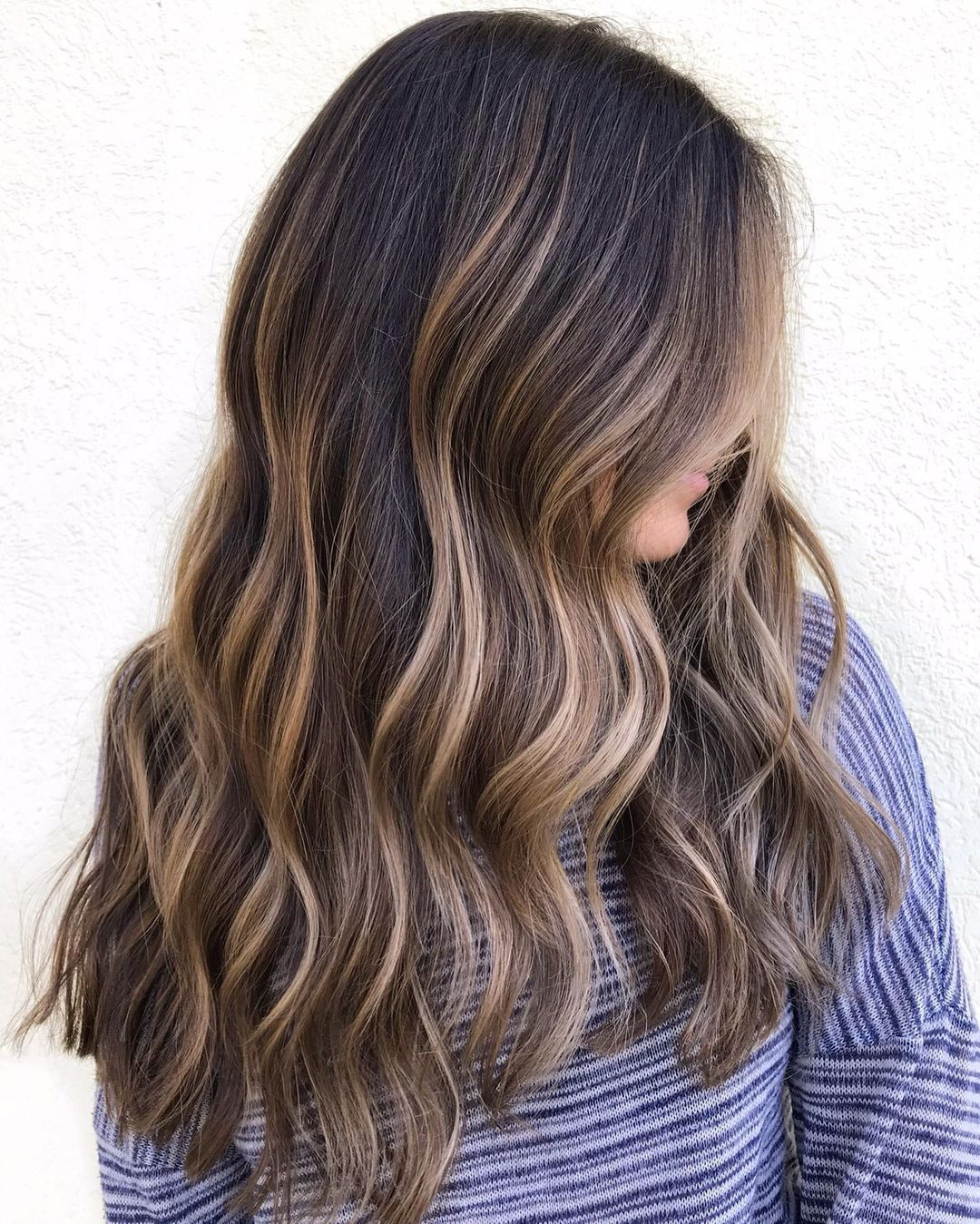 Partial Highlights to Freshen Dark Hair