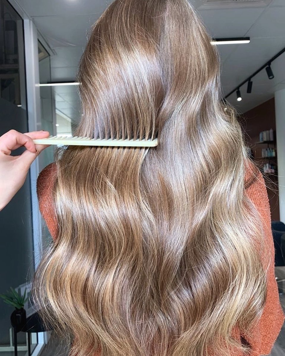 How to Make Hair Shiny and Glossy with Hair Masks