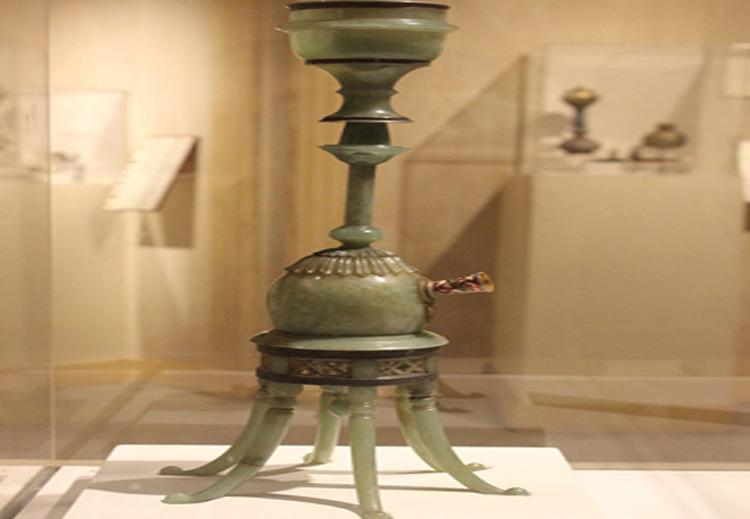 """الهوكا (الجوزة) التي كان يستخدمها السُلطان """"جهانكير"""" خليفة السلطان """"أكبر"""" وحاكم الهند في الفترة 1605 - 1627"""