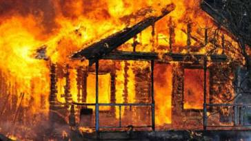 Gara-gara handphone, seorang anak di Ponorogo nekat bakar rumah orangtua