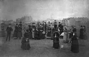 Ladies-putting-on-the-Links-St-Andrews-1868