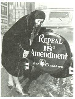 kvinna med antiförbudsskylt