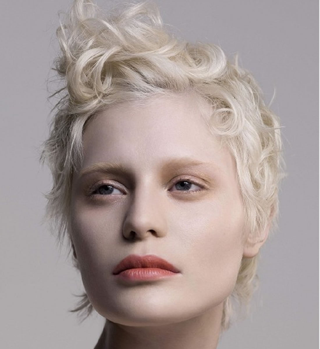 Platinum blonde hair color ideas for 2018