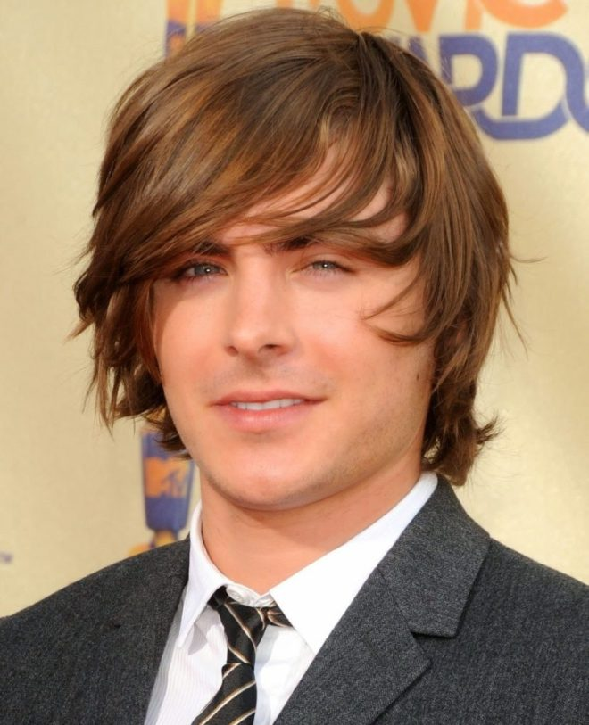 Long Wavy Hairstyle For Round Face Men