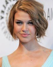 simple short hairstyles women