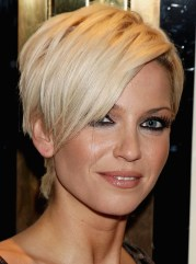 gorgeous feathered short hairstyles