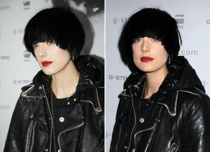 Agyness Deyn With Her Short Black Hair Cut Into A Semi Bob