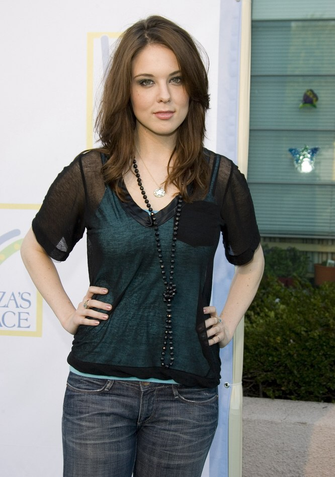 Anna Nalick wearing her hair long and smoothed back away