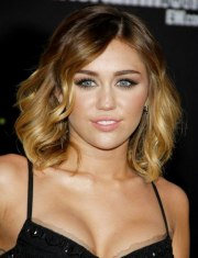 miley cyrus with two-tone blonde