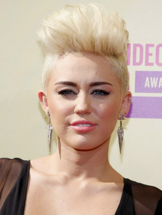 Miley Cyrus With Very Short Hair Buzzed Sides