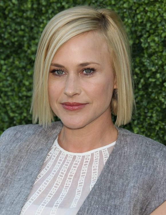 Patricia Arquette Wearing Her Chin Length Hair In An Easy