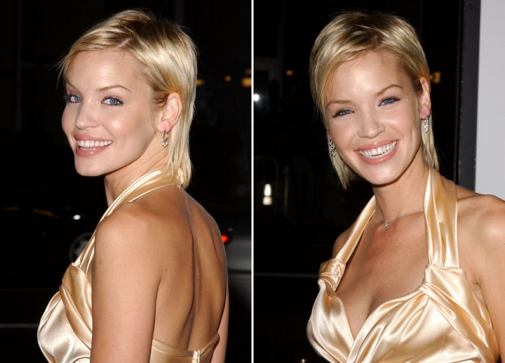Ashley Scott  Necklength short hair colored to bring out