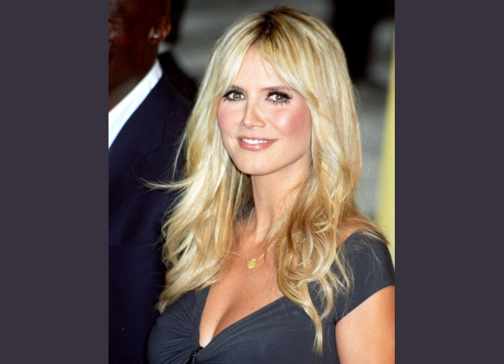 hair with blonde streaks