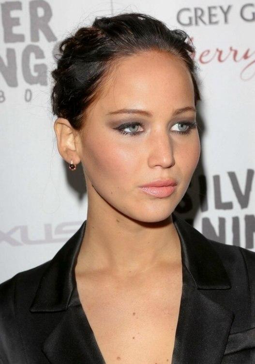 Jennifer Lawrence Dark Brown Hair In A Bun To Enjoy The