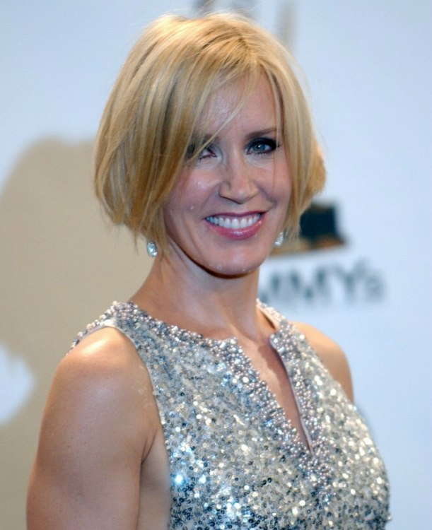 Felicity Huffman  New short bob haircut shorter in the nape and with an angled line