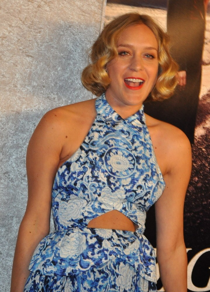 Chlo Sevigny  Short over the ears hairstyle with waves that suits a long face