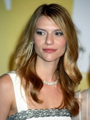 claire danes long summer hairstyle