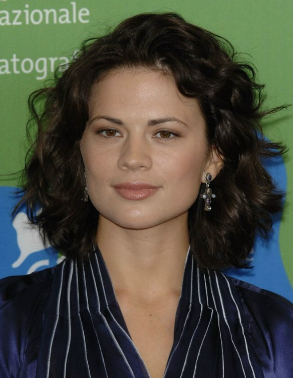 Hayley Atwell  Haistyle for an angular face shape with the hair nestled around the neck