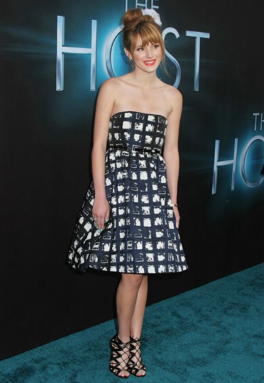 Bella Thornes Top Knot Hairstyle Hair Swept Up Into A