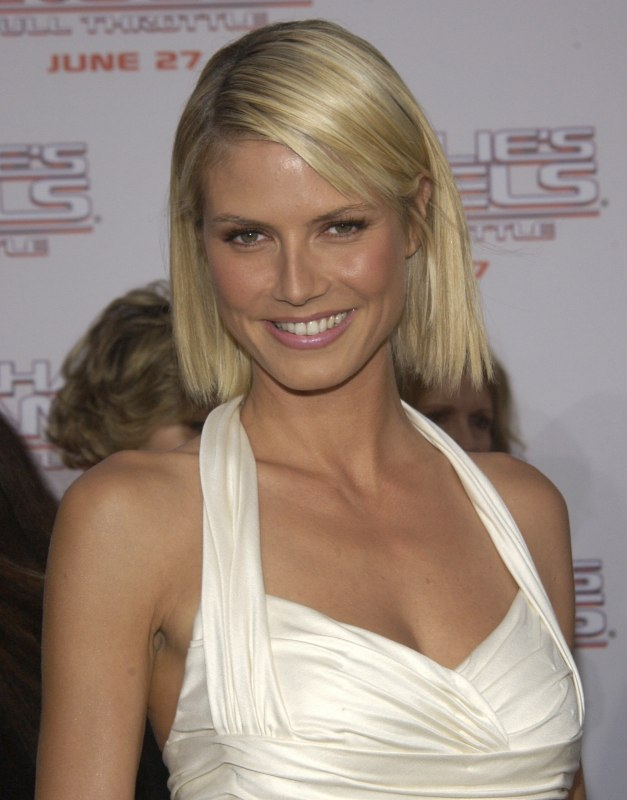 Heidi Klum With Her Hair In A Just Above The Shoulders