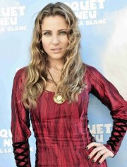 elsa pataky long hair with color