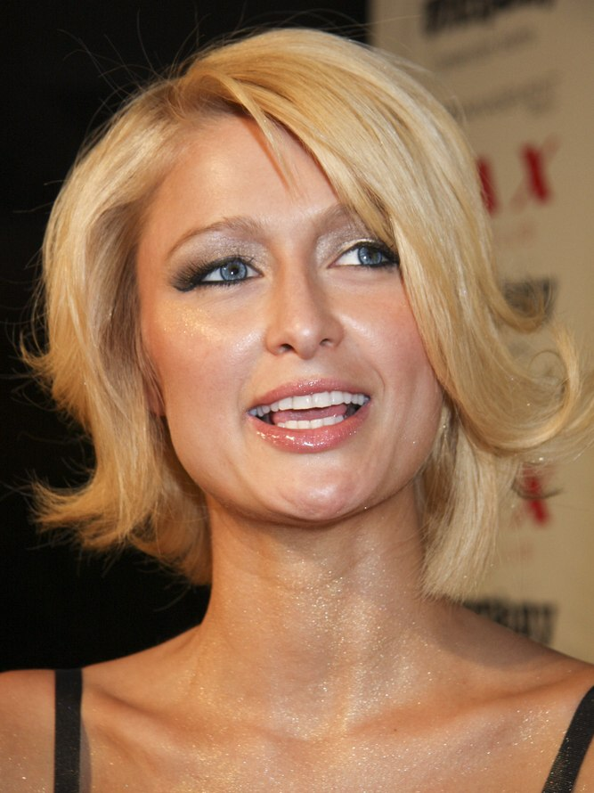 Paris Hiltons retro hair with a bob cut at half the length of her neck