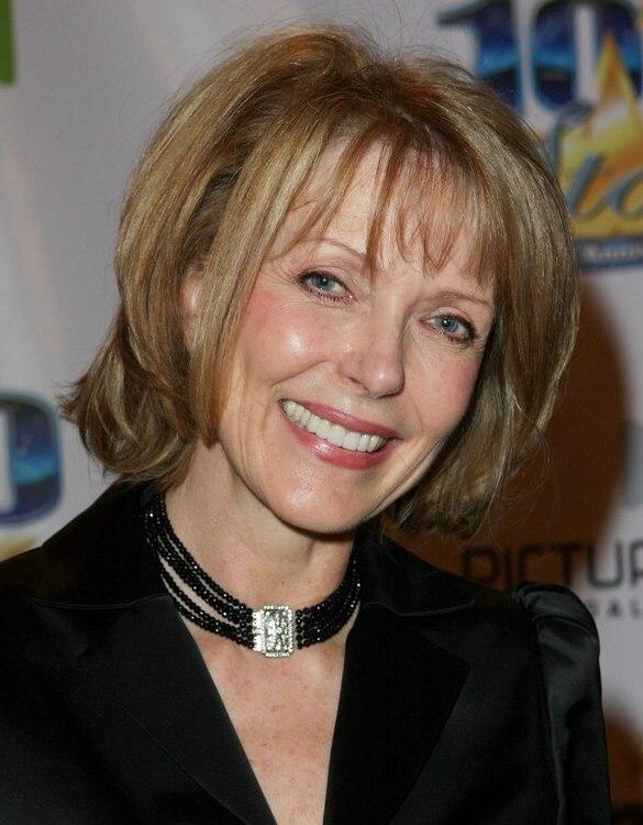 Susan Blakely Medium Length Hair That Curves Around The Chin