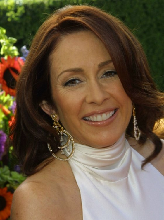 Patricia Heaton's Over Shoulder Length Mahogany Hair With Volume