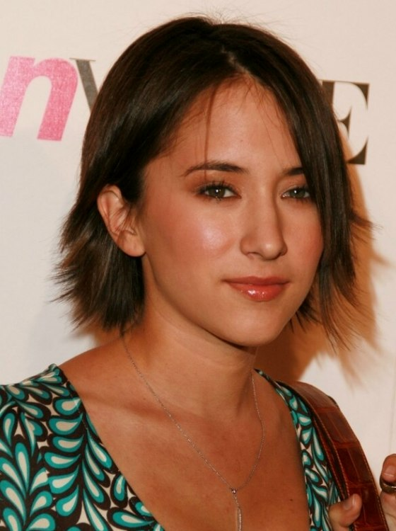Zelda Williams  Hairstyle with razor jagged ends for a choppy look