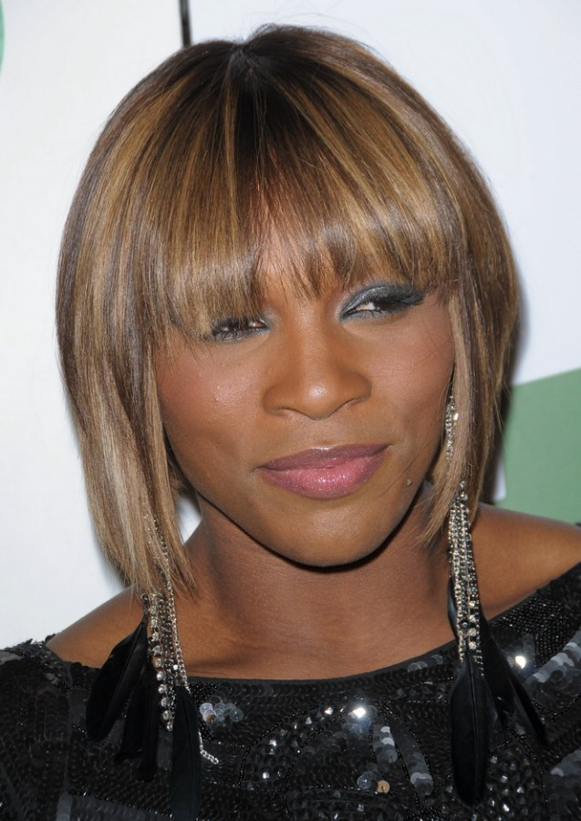 Blonde Serena Williams Wearing Her Hair Midway Upon Her Neck