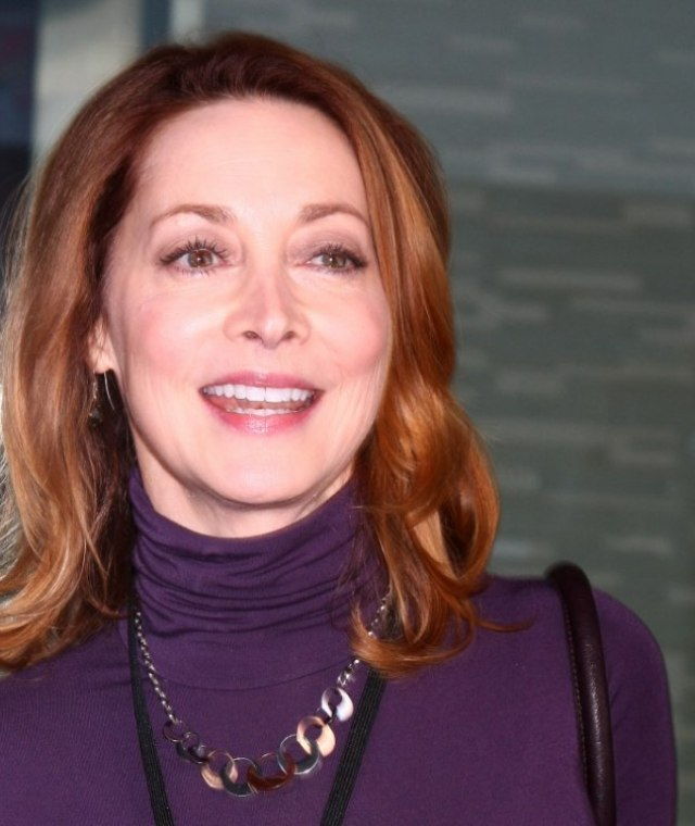 sharon lawrence| sporty and youthful look with a turtleneck