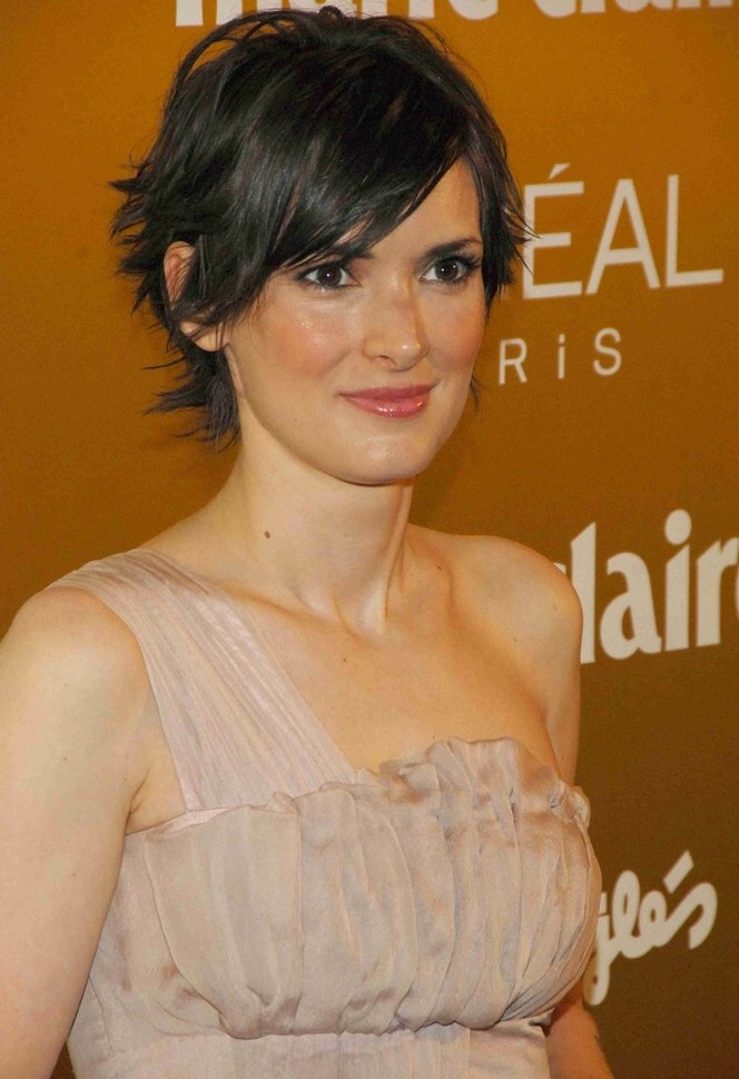 Winona Ryder With Short Choppy Hair Winging Out And Olivia
